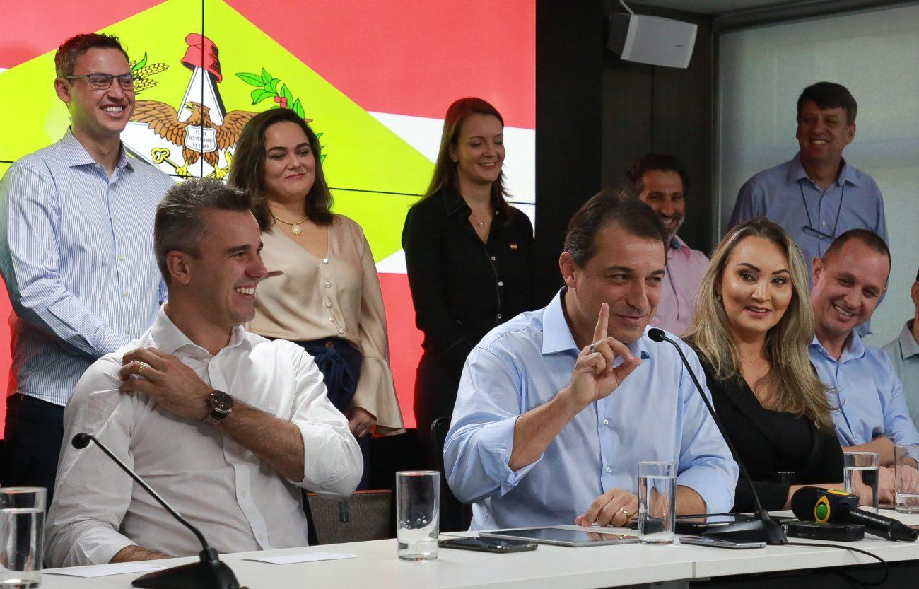 Carlos Moisés em entrevista sobre os 100 dias de governo - Julio Cavalheiro/Divulgação/ND