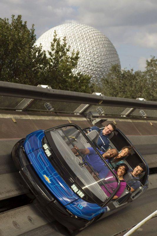 A Test Track é uma das atrações mais animadas do parque da Disney. Ainda na fila, os visitantes criam um carro personalizado. Depois, eles entram em uma espécie de montanha-russa que simula testes automobilísticos, como de velocidade e derrapagem - Divulgação - Divulgação/Rota de Férias/ND