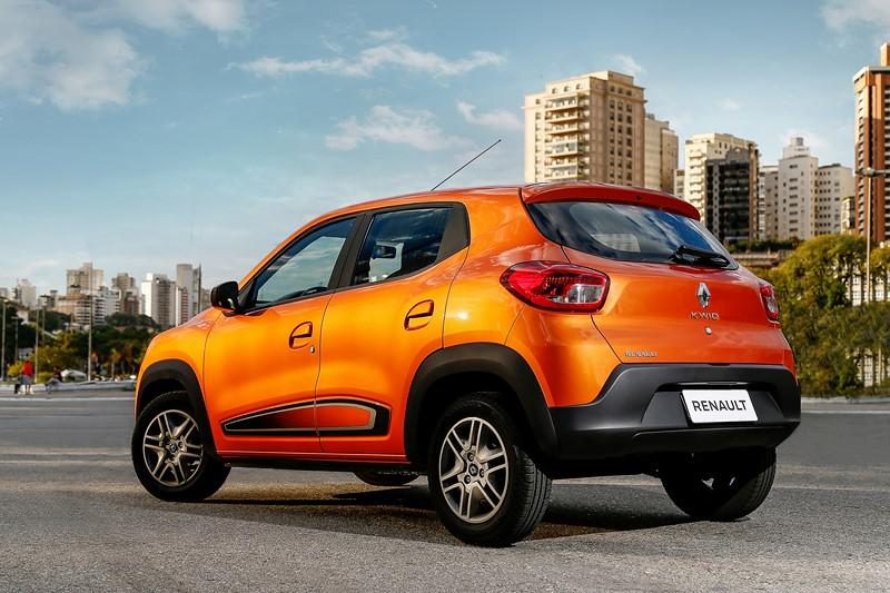 1- Renault Kwid Intense: 14,9 km/l / 15,6 km/l (cidade/estrada - com gasolina) e 10,3 km/l / 10,8 km/l (cidade/estrada - com etanol) - Foto: Divulgação - Foto: Divulgação/Garagem 360/ND