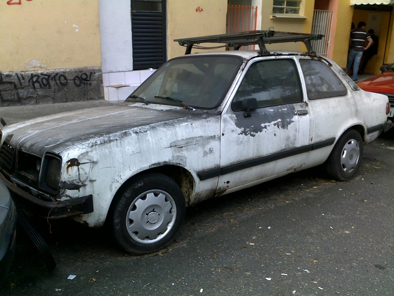 Este Chevrolet Chevette também foi abandonado por seu proprietário - Foto: Blog do Mílton Jung via Visualhunt.com / CC BY - Foto: Blog do Mílton Jung via Visualhunt.com / CC BY/Garagem 360/ND
