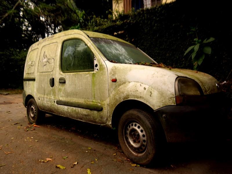 Este Renault Kangoo furgão é mais um carro a ser deixado pelos donos - Foto: Daniel Fucs via Visualhunt / CC BY-SA - Foto: Daniel Fucs via Visualhunt / CC BY-SA/Garagem 360/ND
