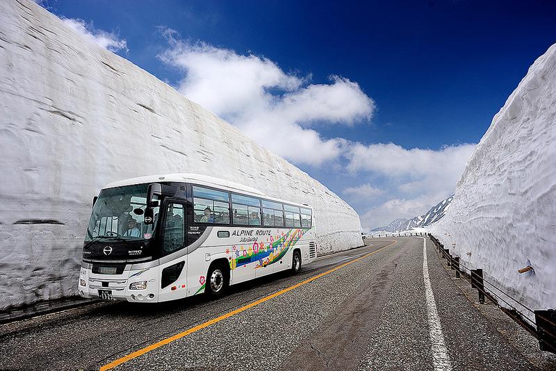 A Rota Alpina Kurobe-Tateyama entra para a lista de lugares mais legais do Japão. Com cerca de 90 quilômetros de extensão, a rodovia passa pelo meio de paredes de neve com mais de 20 metros de altura - Foto: M Reza Faisal via VisualHunt / CC BY-NC-ND - Foto: M Reza Faisal via VisualHunt / CC BY-NC-ND/Garagem 360/ND