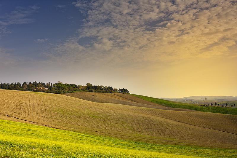 As estradinhas que interligam as cidades da Toscana, na Itália, são sensacionais. Vale a pena curtir cada minuto da viagem e tirar altas fotos dos campos e vinhedos da região - imagina (www.giuseppemoscato.com) via Visualhunt.com / CC BY-NC-SA - imagina (www.giuseppemoscato.com) via Visualhunt.com / CC BY-NC-SA/Rota de Férias/ND