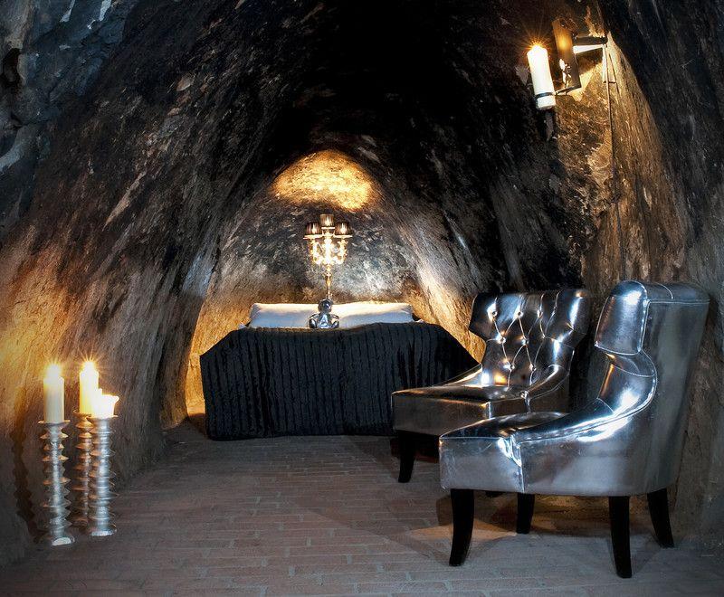 O hotel sueco Silvergruva, em Sala, conta com 15 quartos rústicos construídos 155 metros abaixo da terra - Reprodução/visitvasteras.se - Reprodução/visitvasteras.se/Rota de Férias/ND