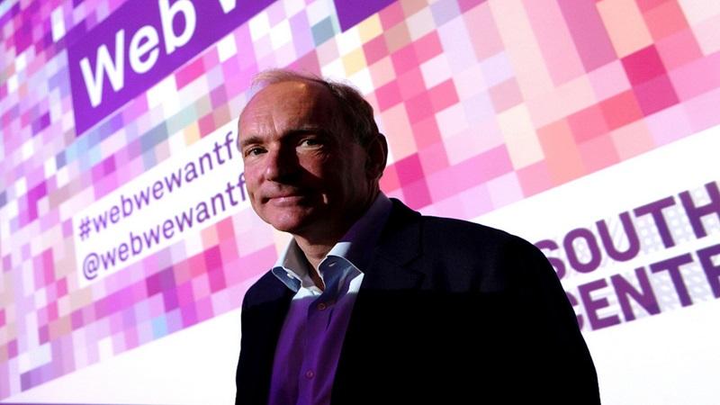 1989 – Tim Berners-Lee propõe a criação do sistema World Wide Web (WWW) - Crédito: Southbank. Centre London /33Giga/ND
