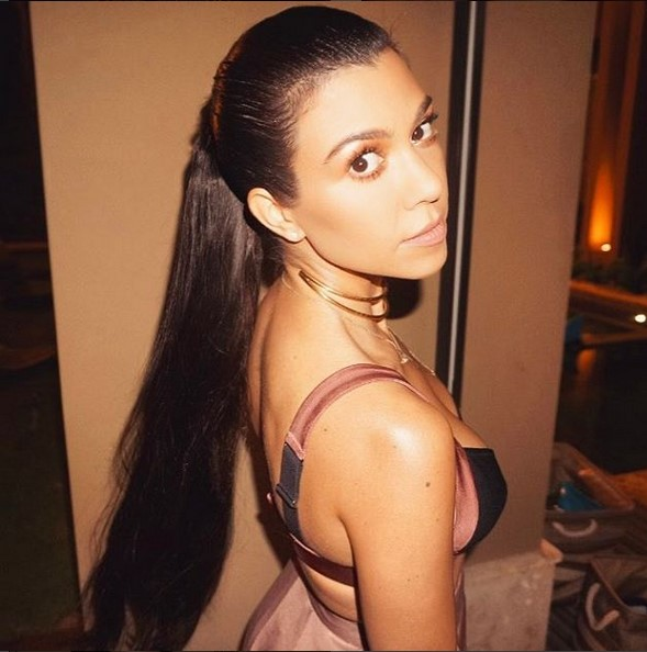 18. Kourtney Kardashian (www.instagram.com/kourtneykardash) – 73,3 milhões de seguidores - Crédito: Reprodução Instagram/33Giga/ND