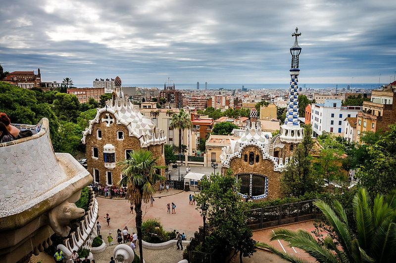 """Dirigido por Wood Allen, """"Vicky Cristina Barcelona"""" (2008) fala sobre duas norte-americanas que viajam à Barcelona, na Espanha - Quick Shot Photos via Visualhunt.com / CC BY-NC-SA - Quick Shot Photos via Visualhunt.com / CC BY-NC-SA/Rota de Férias/ND"""