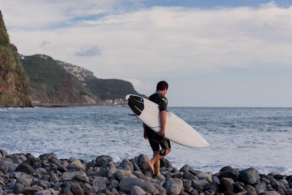 Surf, uma das atividades físicas mais populares da Ilha da Madeira - Divulgação - Divulgação/Rota de Férias/ND