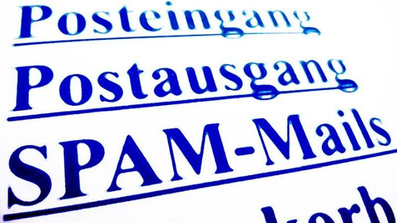 1978 – Um funcionário da DEC envia um lote de e-mails não solicitados a todos os usuários da Arpanet. Muitos defendem que esse foi o primeiro SPAM. - Crédito: VisualHunt/33Giga/ND