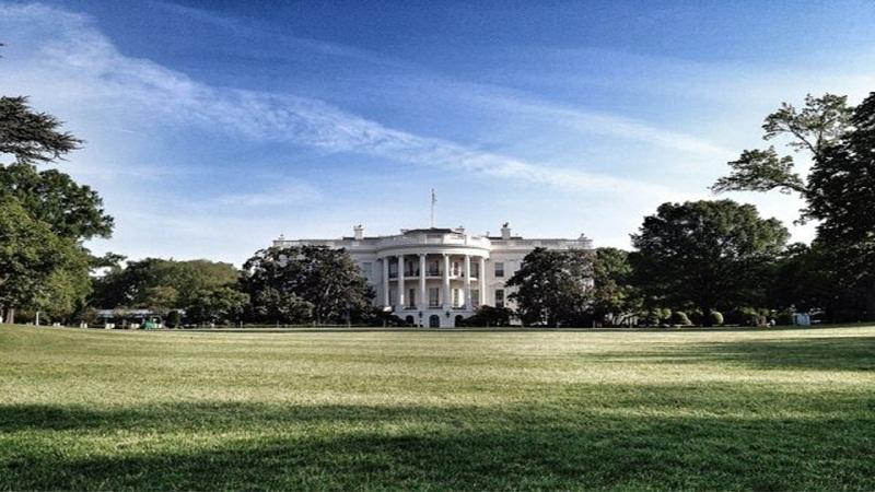 1994 – A Casa Branca lança seu site. Na ocasião, alguns usuários digitaram o endereço com