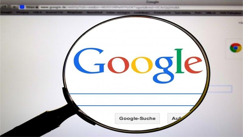 1997 – O serviço de buscas Google vai ao ar. - Crédito: VisualHunt/33Giga/ND