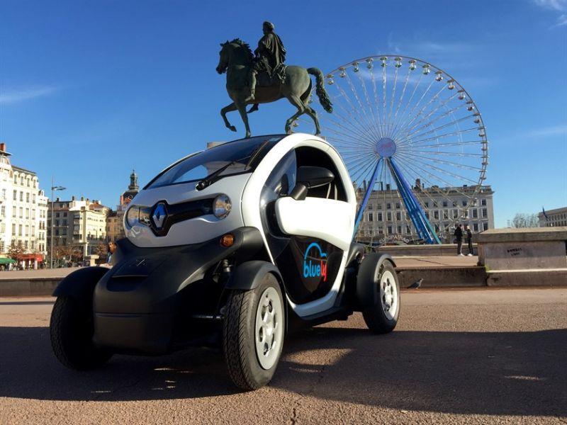 Renault Twizy - 2,33 m de comprimento e 1,23 m de largura (sem os retrovisores) e 1,68 m de distância entre eixos - Foto: Divulgação - Foto: Divulgação/Garagem 360/ND