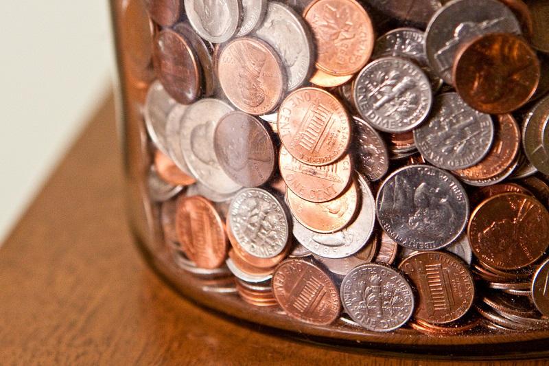 Moedas (1000 a.C): Surge na China as primeiras moedas de bronze. Em 610 a.C, as primeiras moedas feitas de metais preciosos, como ouro e prata, são utilizadas no Reino da Lídia, região ocidental da atual Turquia. - Crédito: nicholasjon via Visualhunt / CC BY-NC/33Giga/ND