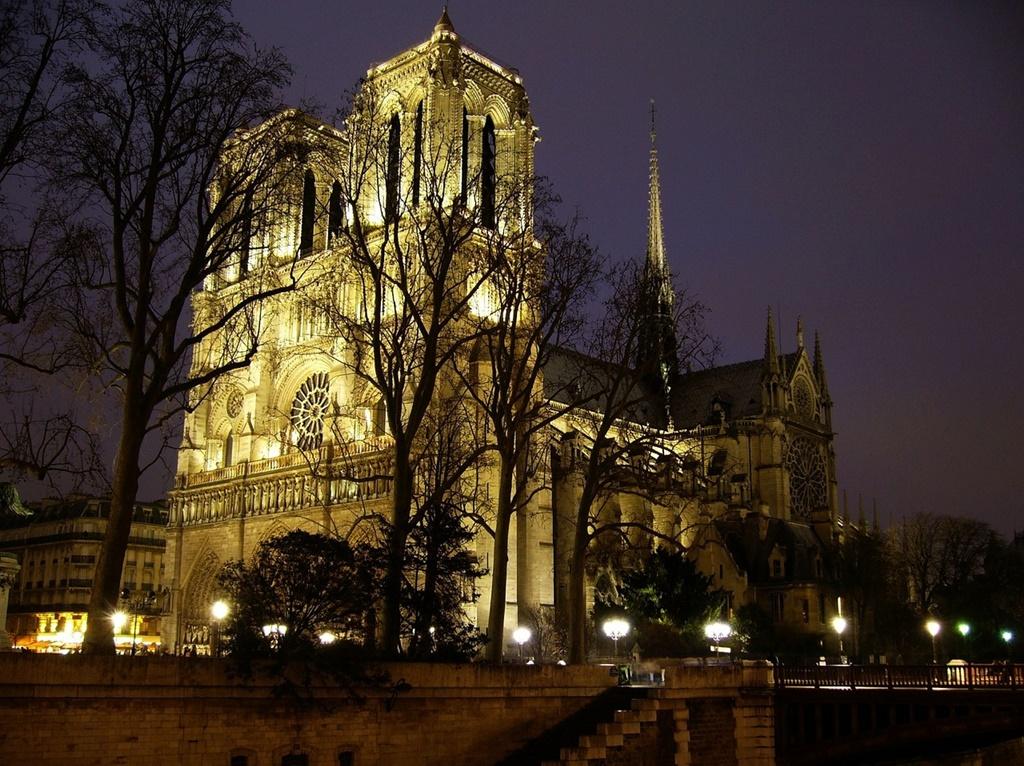 Notre Dame, Paris - PublicDomainPictures from Pixabay - PublicDomainPictures from Pixabay/Rota de Férias/ND