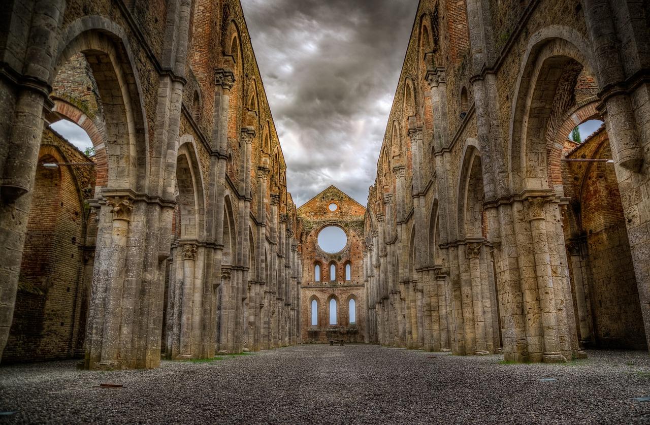 Abadia de San Galgano, Chiusdino, Siena - Rudy and Peter Skitterians por Pixabay - Rudy and Peter Skitterians por Pixabay/Rota de Férias/ND