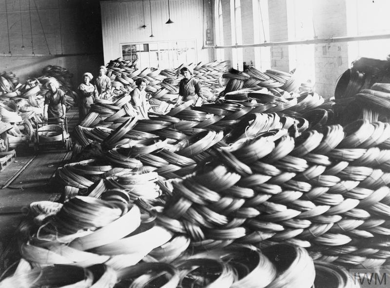 Galeria online reúne fotos de mulheres trabalhando na Primeira Guerra Mundial, confira: - Crédito: © IWM. /33Giga/ND