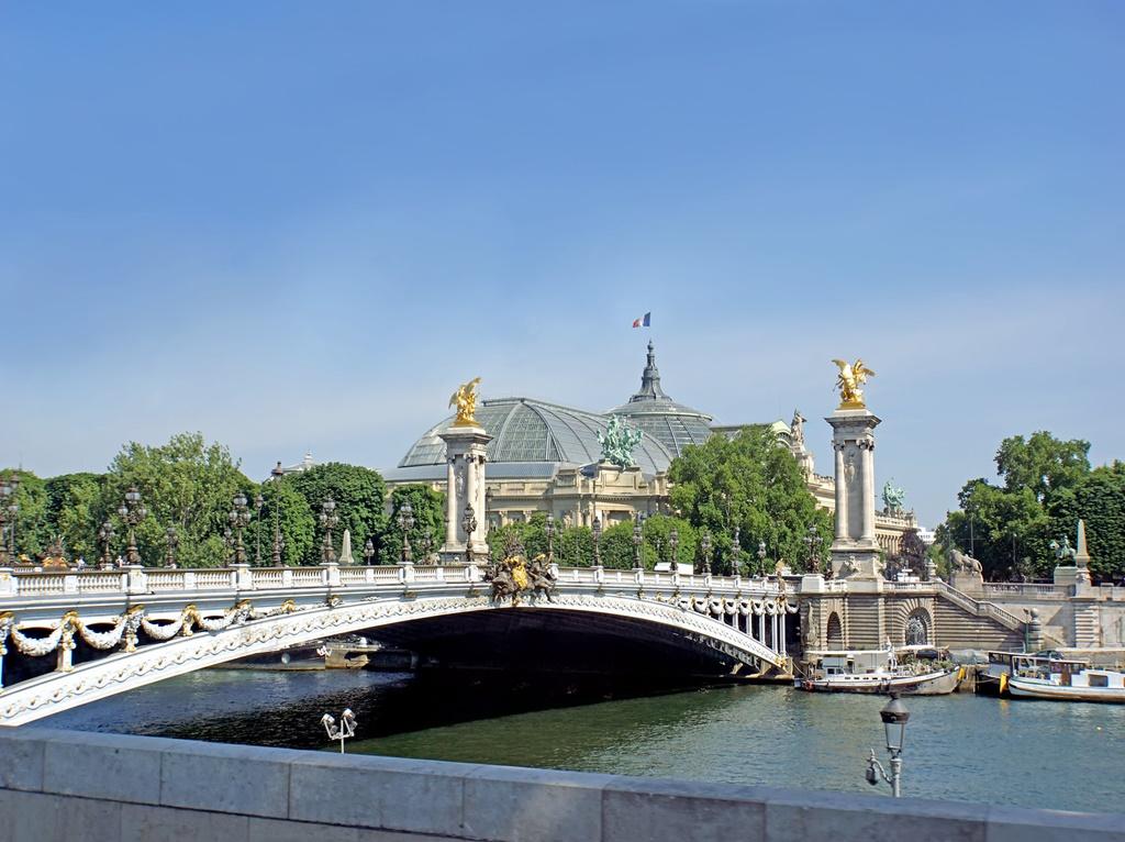 Ponte Alexandre III, Paris - archer10 (Dennis) 139M Views on Visualhunt / CC BY-SA - archer10 (Dennis) 139M Views on Visualhunt / CC BY-SA/Rota de Férias/ND