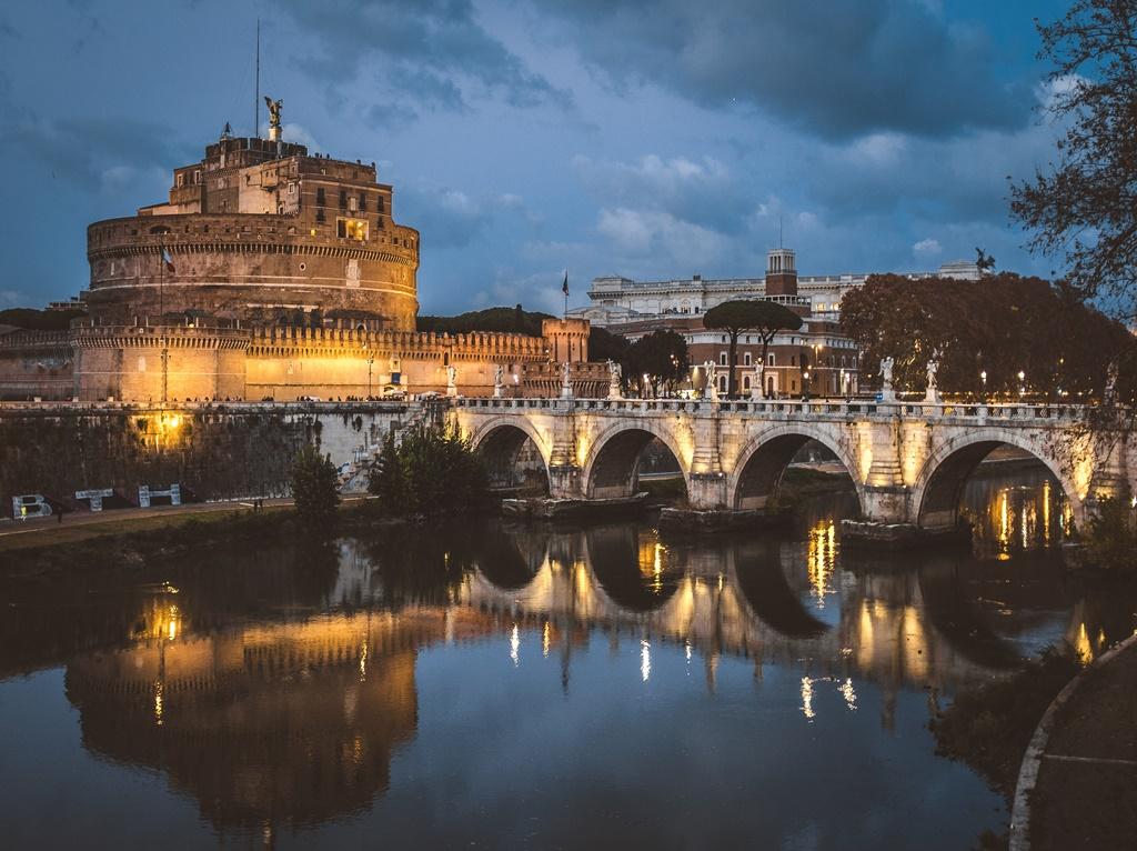 Castelo de Santo Angelo, Roma - Mauricio Artieda on Unsplash - Mauricio Artieda on Unsplash/Rota de Férias/ND