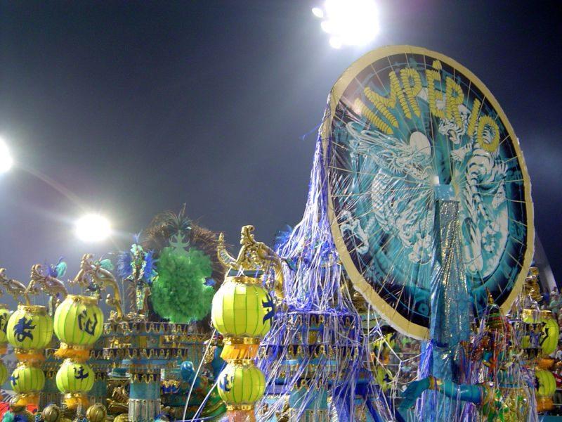 São Paulo marca presença no Carnaval com desfiles de escolas de samba da cidade. Em 2018, a festa do grupo especial rola entre 9 e 10 de fevereiro no Sambódromo do Anhembi - Cltn on Visualhunt / CC BY-NC-SA - Cltn on Visualhunt / CC BY-NC-SA/Rota de Férias/ND