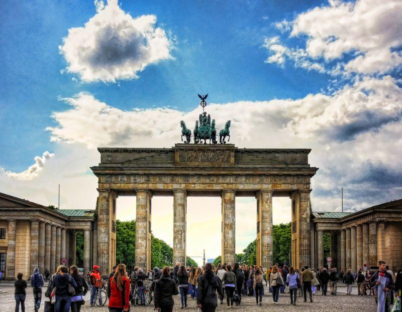 """Na comédia """"EuroTrip - Passaporte para a Confusão"""" (2004), uma turma de amigos viaja pela Europa com destino a Berlim, na Alemanha (foto). Eles passam por países como Inglaterra, França, Holanda, Eslováquia e Itália - Daniel Mennerich via VisualHunt / CC BY-NC-ND - Daniel Mennerich via VisualHunt / CC BY-NC-ND/Rota de Férias/ND"""
