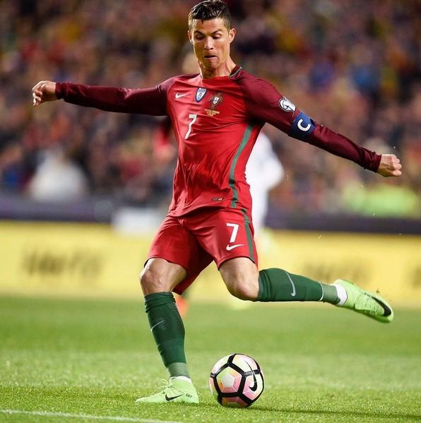 As 50 celebridades mais seguidas do Instagram - 1. Cristiano Ronaldo (www.instagram.com/cristiano) – 152 milhões de seguidores - Crédito: Reprodução Instagram /33Giga/ND