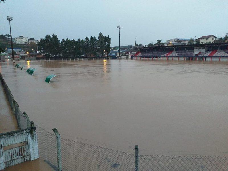 Situação do Estádio Municipal de Caçador onde atua o Kindermann/Avaí. - Luciano Heck
