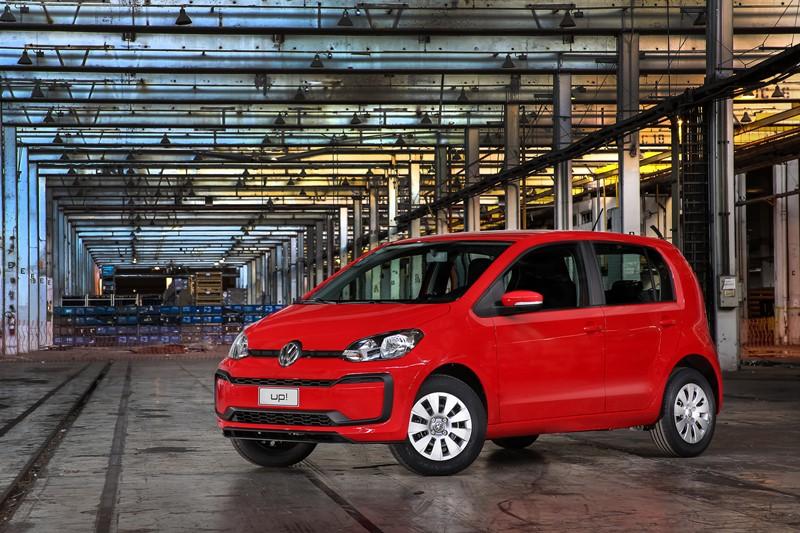 6- Volkswagen Up Move MSI: 14,2 km/l / 15,3 km/l (cidade/estrada - com gasolina) 9,6 km/l / 10,6 km/l (cidade/estrada - com etanol) - Foto: Divulgação - Foto: Divulgação/Garagem 360/ND