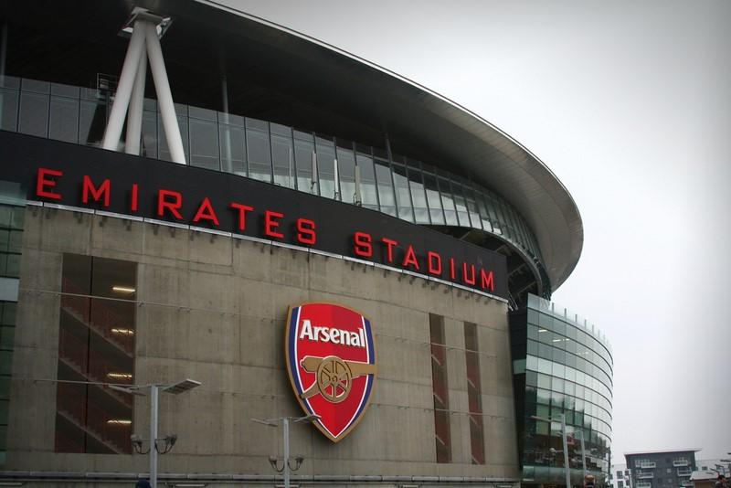 Os torcedores ou não do Arsenal costumam adorar o Emirates Stadium, em Londres, na Inglaterra. A arena é uma das mais modernas do país e, em termos de tamanho, só perde para a casa do Manchester United e para o icônico estádio de Wembley, também localizado na capital inglesa - fakelvis via Visual hunt / CC BY-SA - fakelvis via Visual hunt / CC BY-SA/Rota de Férias/ND