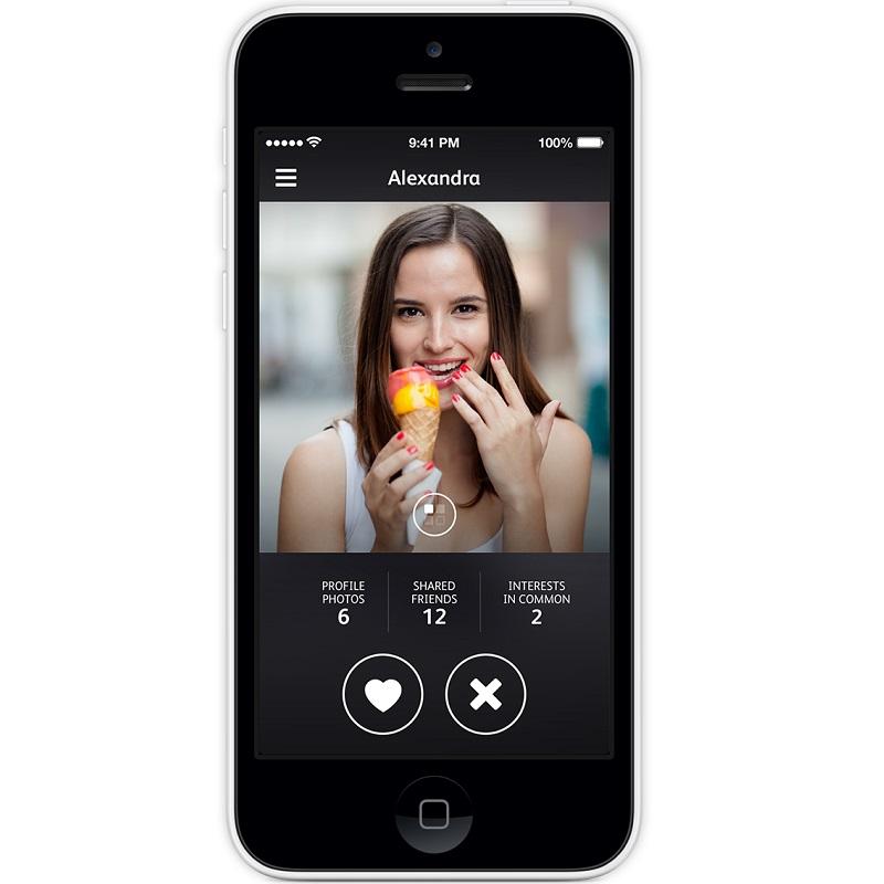 Hot or Not – Disponível para Android (https://goo.gl/JUdzPg) e iOS (https://goo.gl/ZSzSVs), o aplicativo é uma mistura de Tinder com Lulu – aquele programa em que as mulheres davam notas aos homens. Isso porque, além de conversar e dizer se você gostou ou não de alguém, é possível dar nota pela beleza das pessoas. O único problema é que você tem que alimentar o app com fotos constantemente, caso contrário, as imagens de usuários, sua pontuação e outras características ficam ocultas. - Crédito: Divulgação/33Giga/ND