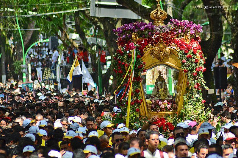 O Círio de Nazaré é uma festa religiosa típica do nordeste brasileiro. A comemoração é realizada em outubro, nas ruas de Belém, no estado do Pará - Alan Pantoja on VisualHunt / CC BY-NC-SA - Alan Pantoja on VisualHunt / CC BY-NC-SA/Rota de Férias/ND