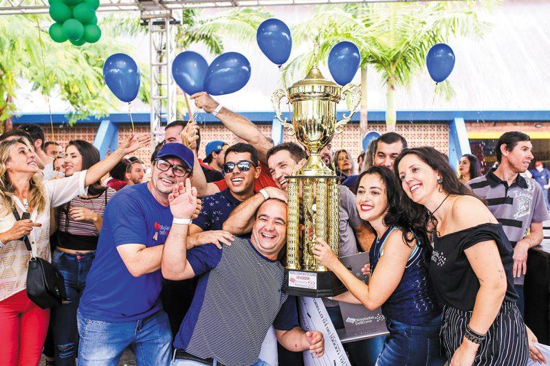 Comemoração da Equipe Vencedora das Olimpíadas Bello – Divulgação/Acervo Portobello