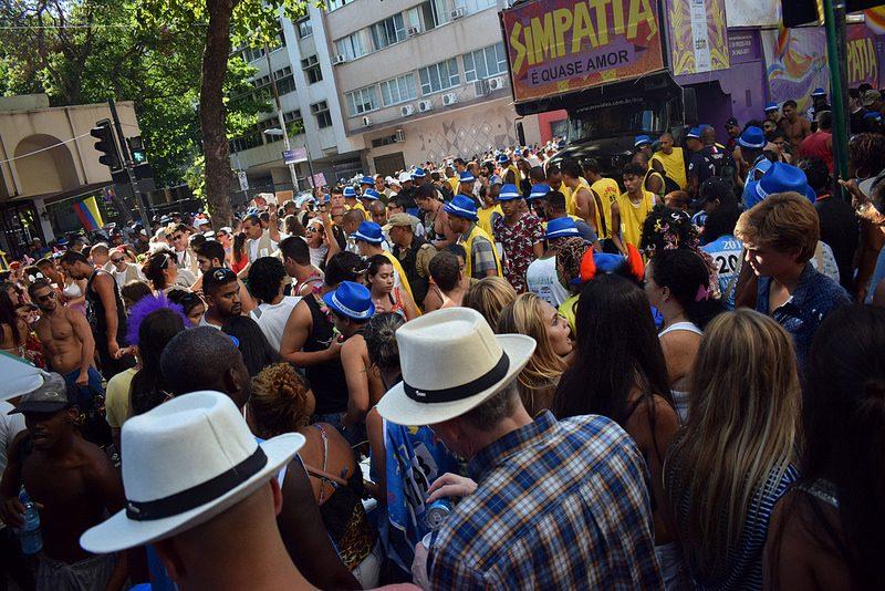 Os bloquinhos de rua, que figuram entre as atrações festivas mais badaladas do Rio de Janeiro (RJ), agitam a cidade durante a época de Carnaval - Xiaozhuli on VisualHunt / CC BY-NC - Xiaozhuli on VisualHunt / CC BY-NC/Rota de Férias/ND