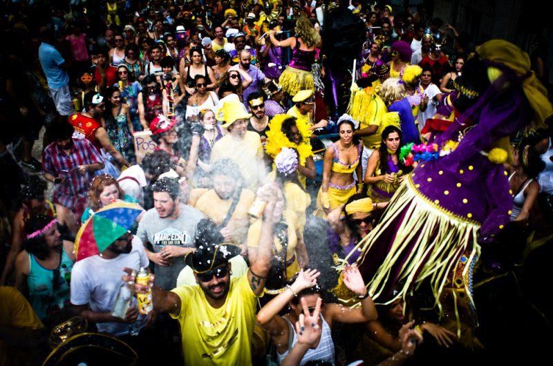 Não é só no Rio de Janeiro que os bloquinhos de Carnaval fazem sucesso. Eles também são bem tradicionais em São Paulo - (CC BY-SA) Fora do Eixo - (CC BY-SA) Fora do Eixo/Rota de Férias/ND