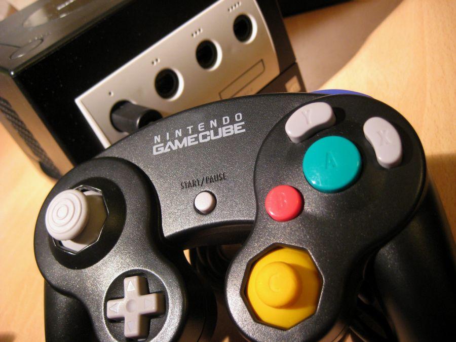 O GameCube marcou a entrada da Nintendo na sexta geração dos videogames, em 2001. - Crédito: luftholen via Visual hunt / CC BY-SA/33Giga/ND