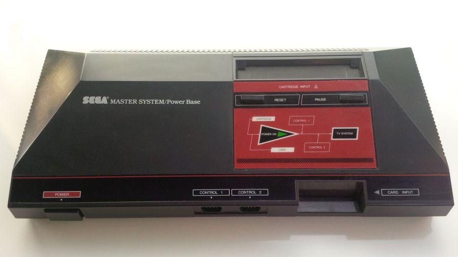 Lançado pela Sega em 1985, o Master System foi a resposta da empresa ao Nintendinho, ainda na era 8-bits. - Crédito: Mister Xiado via VisualHunt / CC BY-NC-SA/33Giga/ND