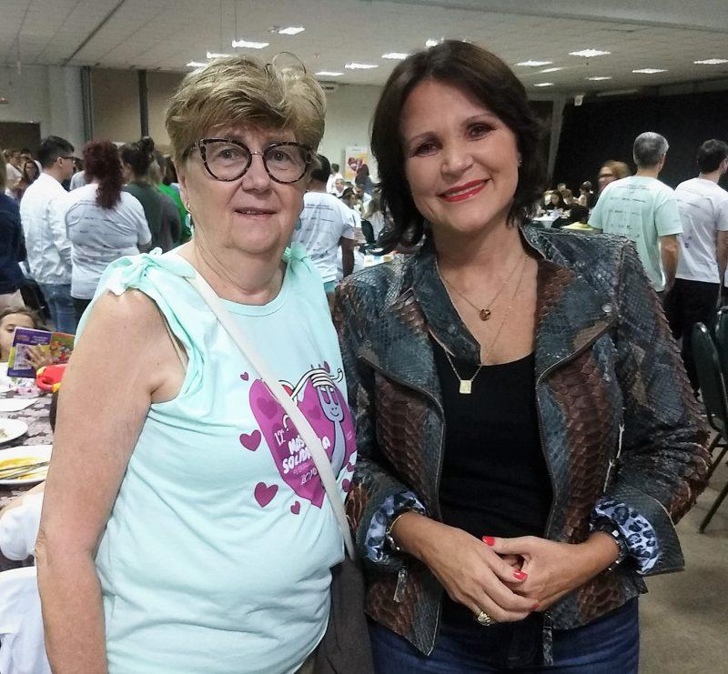 Zita Sander de Meireles (à esq.) e Maria Angelica Ribeiro Colombo, ex-primeira-dama de Santa Catarina – Marcos Cardoso/ND