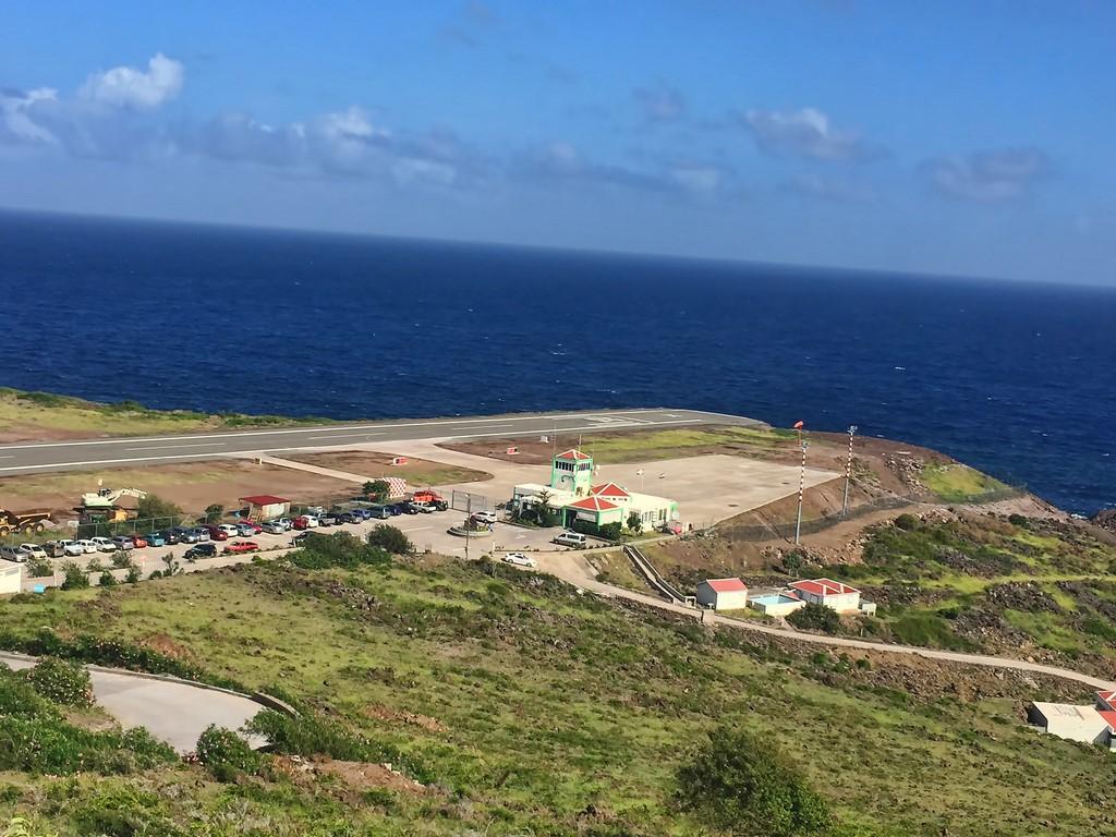 Aeroporto Juancho E. Yrausquin, Ilha de Saba (Caribe): a pista tem apenas 400 metros de comprimento. Além disso, o aeroporto é cercado pelo oceano, não dando margem para erros dos pilotos - david takes photos on VisualHunt.com / CC BY-NC - david takes photos on VisualHunt.com / CC BY-NC/Rota de Férias/ND