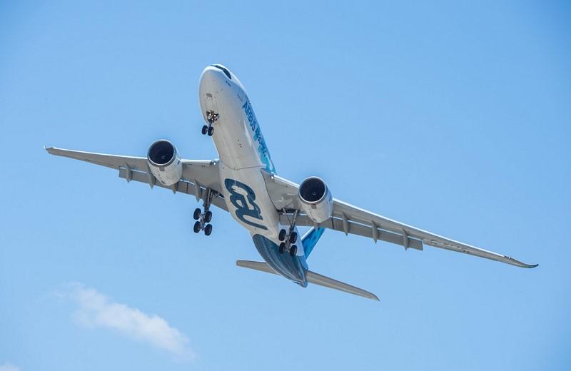 Airbus A330neo: pode ser equipado com a cabine Airspace e conta com peças de titânio para ficar mais leve. Para melhorar a eficiência, utiliza motores de última geração da Rolls-Royce - Foto: Divulgação - Foto: Divulgação/Garagem 360/ND