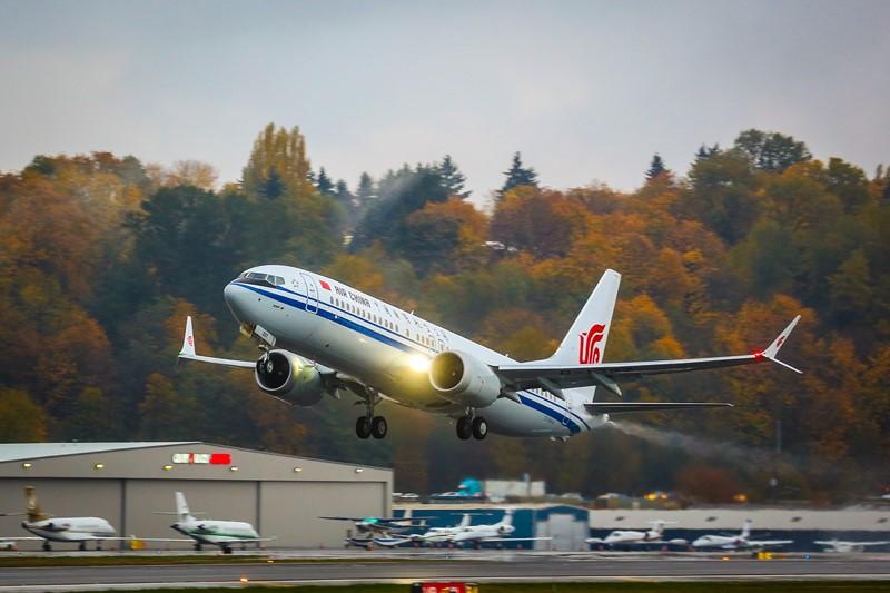 Boeing 737 MAX: essa aeronave é uma das mais antigas e populares da história da aviação, mas a nova geração ganhou diversas melhorias, como detalhes aerodinâmicos para reduzir o arrasto e motores mais modernos da CFM International - Foto: Divulgação - Foto: Divulgação/Garagem 360/ND