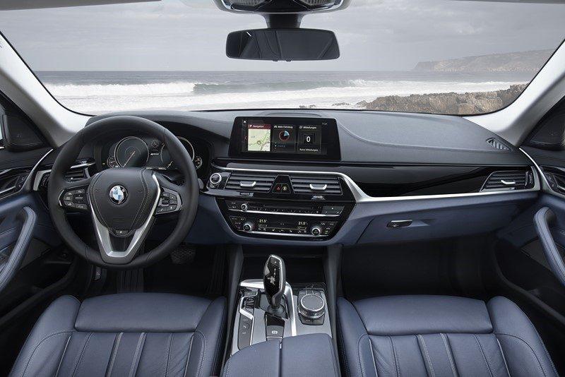BMW 530e - Foto: Divulgação - Foto: Divulgação/Garagem 360/ND