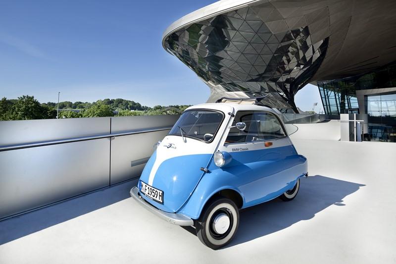 Romi Isetta/BMW Isetta - 2,28 m de comprimento, 1,38 m de largura, 1,34 m de altura e 1,5 m de entre-eixos - Foto: Divulgação - Foto: Divulgação/Garagem 360/ND