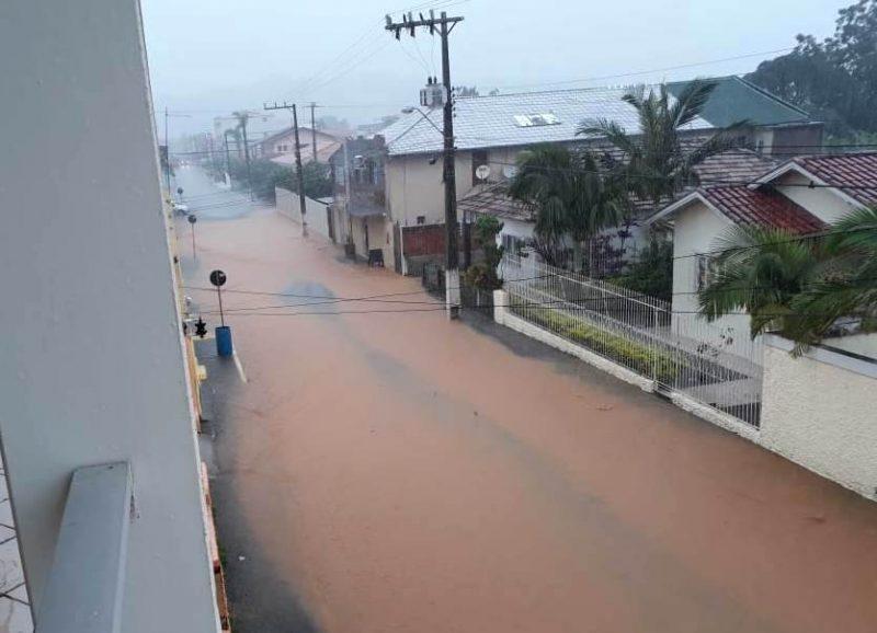 Chuvas causam o alagamento de ruas no município de Imaruí – Reprodução/ND