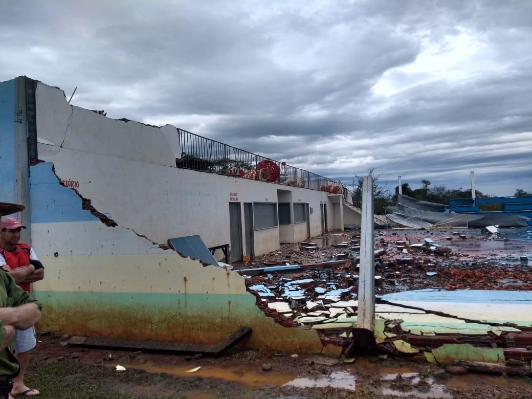 Chuvas causam estragos em várias regiões de Santa Catarina - Bombeiros / Divulgação