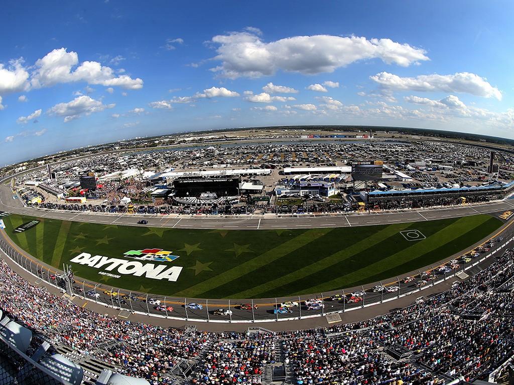 Daytona International Speedway (Daytona Beach, EUA): recebe as 500 milhas da Nascar, uma das provas mais importantes da categoria, e também as 24h de Daytona dos carros protótipos do campeonato americano (IMSA) - Divulgação - Divulgação/Rota de Férias/ND