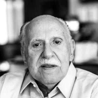 Mário J. Gonzaga Petrelli