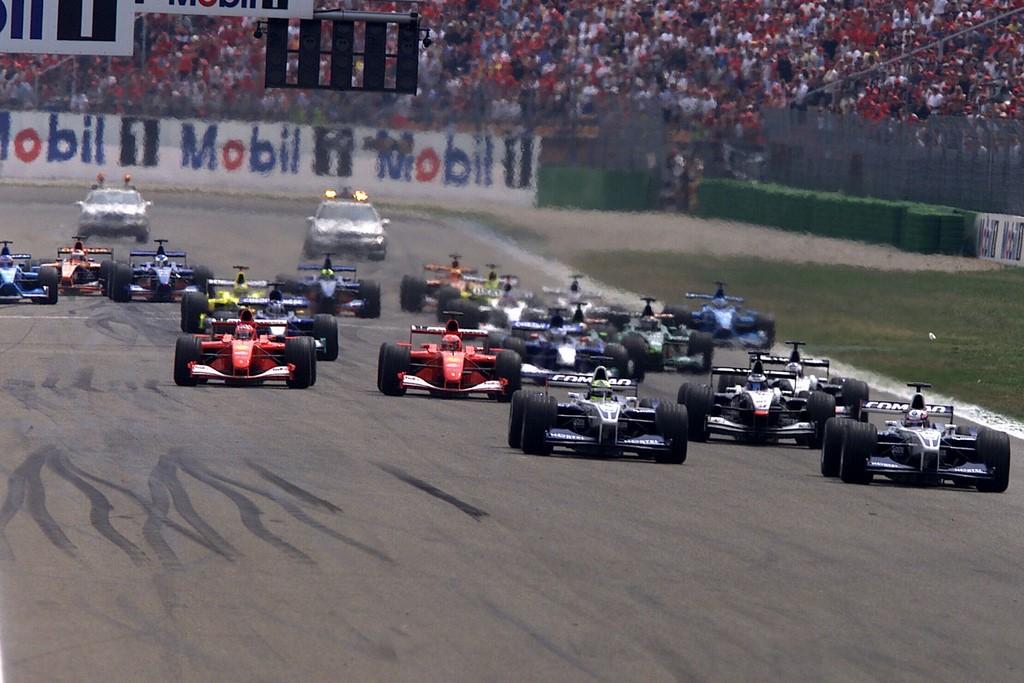 Hockenheimring Baden-Württemberg (Hockenheim, Alemanha): atual sede do GP da Alemanha, foi nesta pista que Rubens Barrichello conquistou sua primeira vitória na F1, em 2000, seu ano de estreia pela Ferrari. Na época, o traçado ainda era o antigo, com grandes retas que cortavam a floresta. A pista foi reduzida em 2002, utilizando o mesmo formato até hoje - Divulgação - Divulgação /Rota de Férias/ND