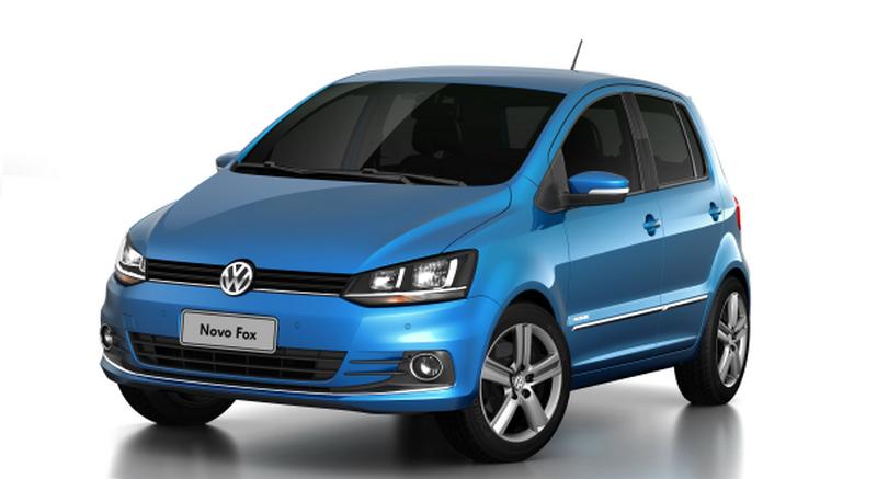 """Volkswagen Fox: mais de 500 mil unidades vendidas no Brasil contavam com um defeito que decepava a ponta dos dedos das pessoas que tentavam rebater os bancos do carro. Isso porque o sistema era um pouco """"arisco"""" e funcionava como uma guilhotina. A montadora convocou o recall, modificou o sistema e incluiu avisos indicando a maneira correta de posicionar as mãos e os dedos durante a ação - Foto: Divulgação - Foto: Divulgação/Garagem 360/ND"""