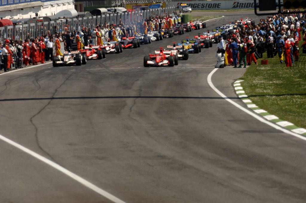 Autodromo Internazionale Enzo e Dino Ferrari (Ímola, Itália): é uma pista que não traz boas recordações aos brasileiros, por conta do acidente de Ayrton Senna. Teve o traçado alterado após o trágico GP de 1994, que também vitimou Roland Ratzenberger, recebendo a F1 até 2006. Mesmo com todas as fatalidades, ainda é uma das pistas mais importantes do automobilismo - Divulgação - Divulgação/Rota de Férias/ND