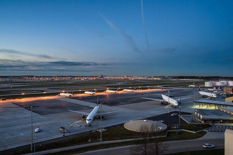 1º - Aeroporto de Internacional de Atlanta Hartsfield-Jackson, nos Estados Unidos. Foi inaugurado em 1926 e recebe mais de 100 milhões de passageiros anualmente - ruifo on VisualHunt.com / CC BY-NC-SA - ruifo on VisualHunt.com / CC BY-NC-SA/Rota de Férias/ND