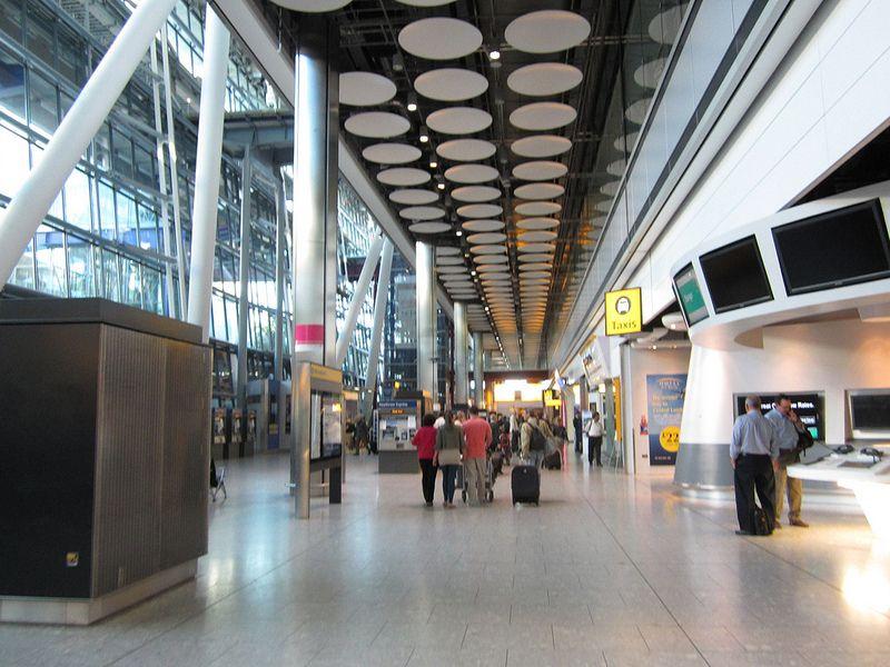 7º - Aeroporto Internacional de Heathrow, em Londres, na Inglaterra. O espaço na terra da rainha também foi inaugurado em 1929 e é o mais movimentado da Europa - Chasqui (Luis Tamayo) on VisualHunt / CC BY-SA - Chasqui (Luis Tamayo) on VisualHunt / CC BY-SA/Rota de Férias/ND